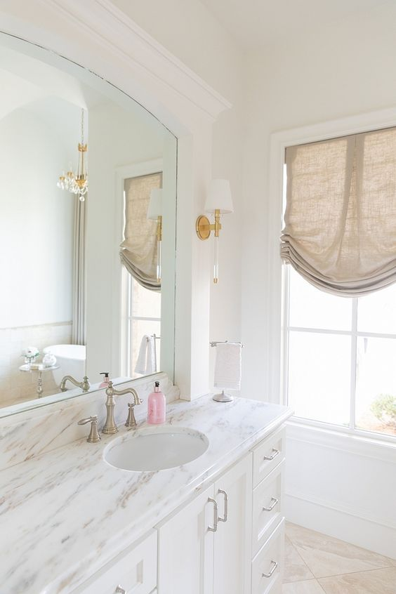 alabaster sherwin williams bathroom